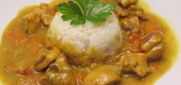 Pollo al curry in latte di cocco